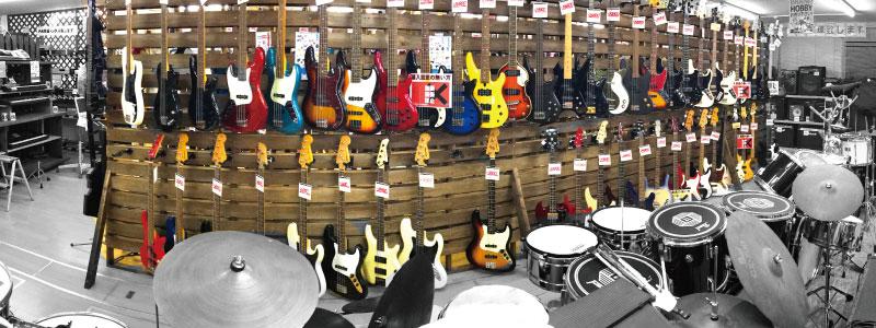 ベース、楽器売り場