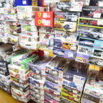 艦船模型や自動車のプラモデルがたくさん入荷いたしました!