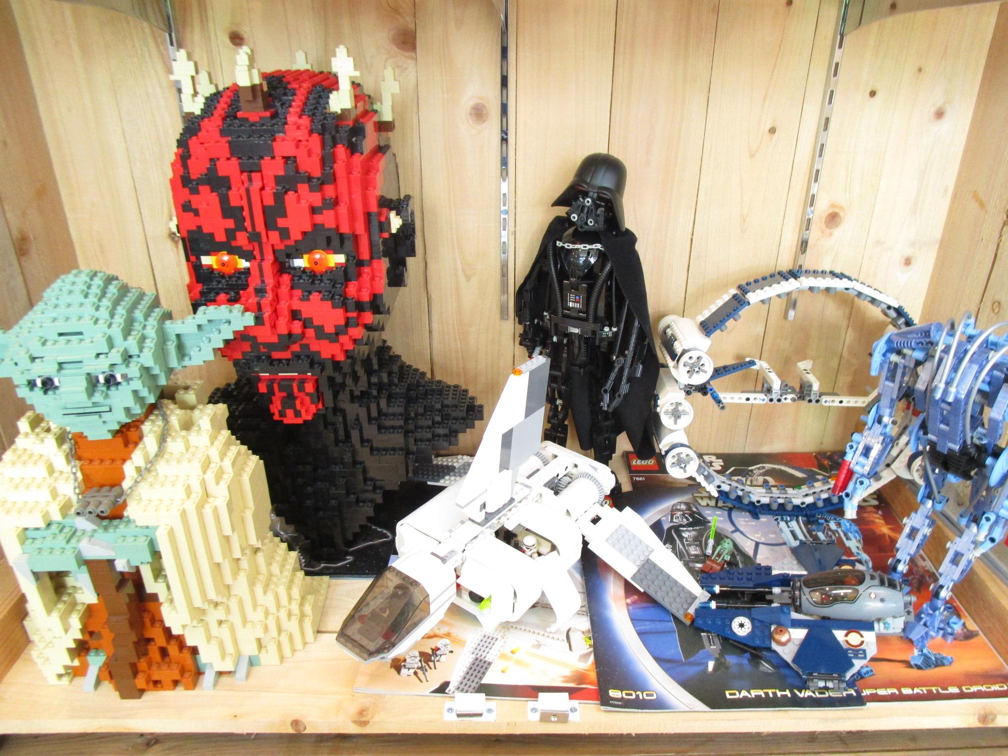 レゴ・スターウォーズシリーズなどが続々と入荷中です!!
